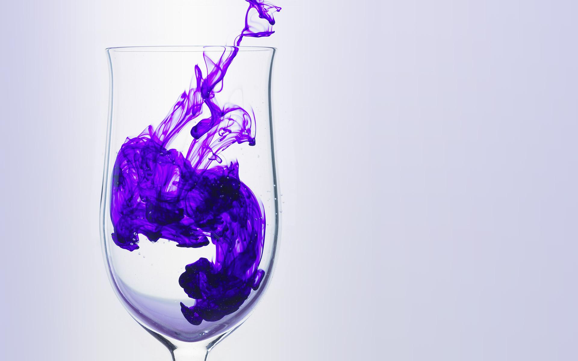 enncre-dans-un-verre-eau