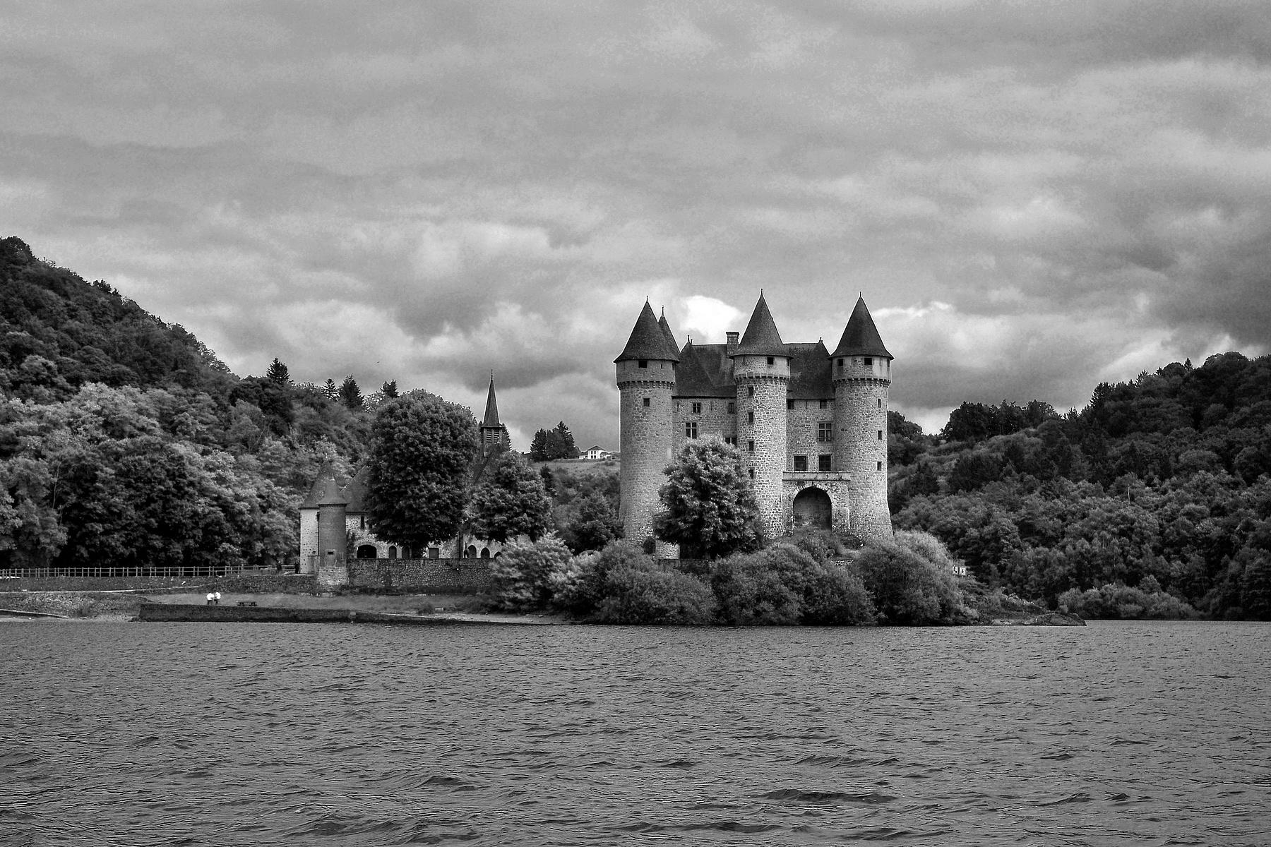 noir-et-blanc-chateau